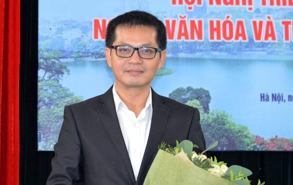 Nghệ si nhân dân Trung Hiếu lên làm giám đốc Nhà háy kịch Hà Nội